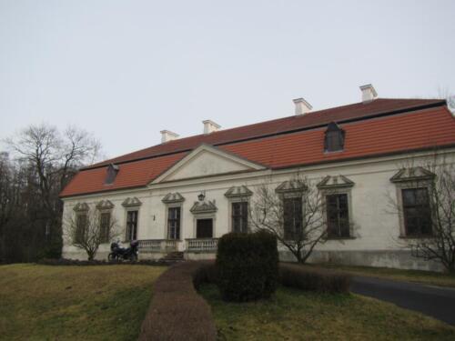 Ekspertyza mykologiczno-budowlana budynku zabytkowego Dworu i Oficyny koło Warszawy